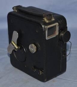 Pathe france movie camera 'baby-cine motocamera'