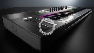 NATIVE INSTRUMENTS Komplete S61 - 61-Key Keyboard