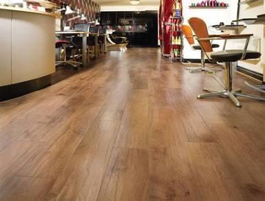 Vinyl Wood Flooring / Laminate Flooring / Skirting