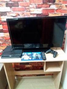 Playstation 4 only 1 month used