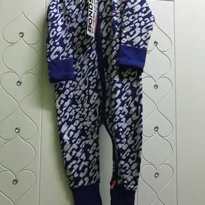 Baju BONDS