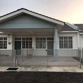 Rumah Teres Setingkat Taman Desa Aman