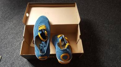 Aro shoe size 41 or 7
