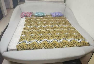 King Divan set with mattress
