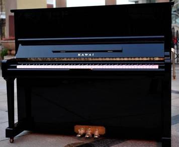 Kawai Acoustic upright piano tp-125