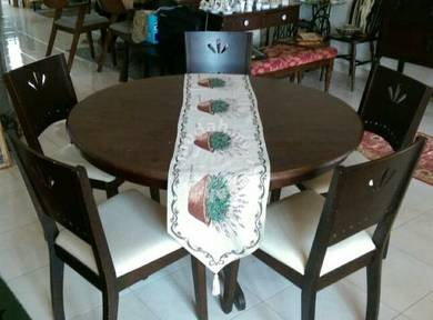 Round Dining Table Set with 5 chairs