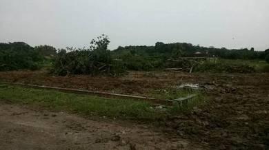 Tanah lot Banglo Titi Gantung dekat surau