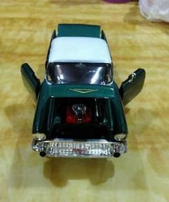 Die Cast Old Car