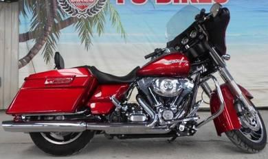 Harley Davidson Street Glide Red