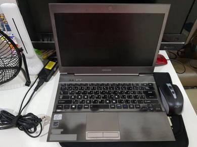 Toshiba Ultra i5 4GB ram
