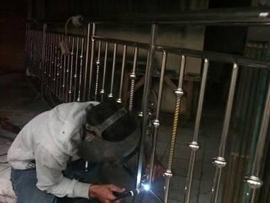 Tukang besi