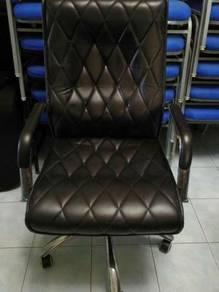 Luxury office chair / kerusi pejabat mewah Read m