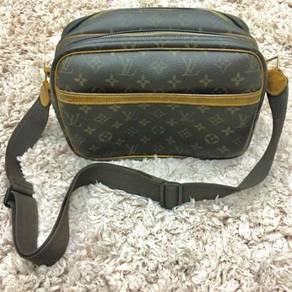 Louis Vuitton Monogram Canvas Reporter PM
