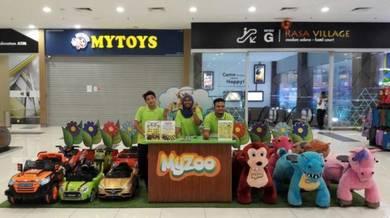 Pembantu kedai mainan di Mydin RTC Gopeng Perak