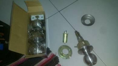 Door lock supplier and repairing door