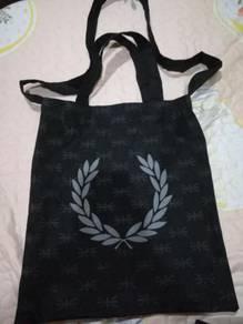 Beg kesayangan untuk dilepaskan