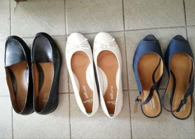 CLARKS shoes size 6.5UK