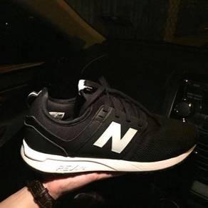 Men�s new balance shoes