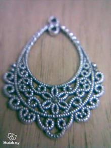 ABPSM-F012 Silver Metal Fancy-12 Pendant Necklace
