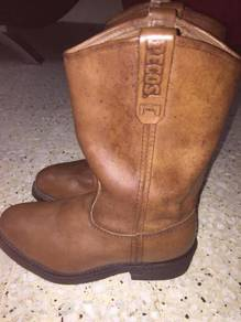 Red Wing Shoes (Model 2214) Rare