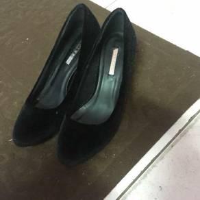 Vincci heels size 4 black colour