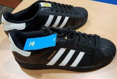 Adidas superstar sneaker shoes US10