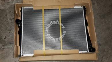BMW 3-Series E46 Auto Radiator