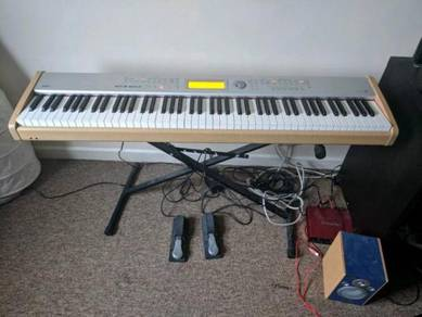 Korg SP 500 Professional Midi Keyboard