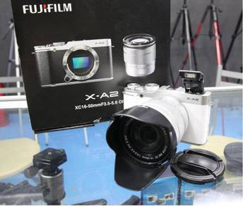 FUJIFILM X-A2 WIFI MiRRORLESS CAMERA - FULL BOX