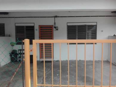 Rumah Sewa - UMP / Kem Batu 10 / Jalan Gambang / Batu Sebelas