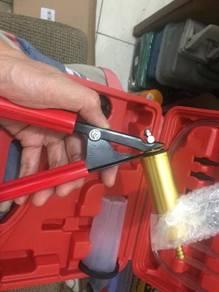 Alat penyedut minyak brek clutch gantian minyak