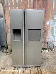 Samsung fridge with auto ice maker&dispenser; water