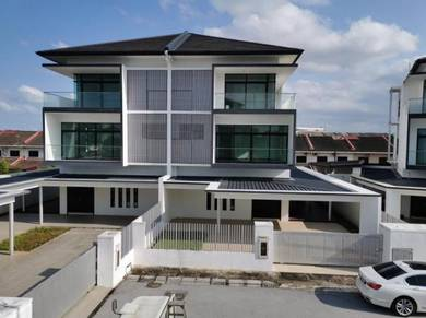 3-storey Semi-D, Country Hts Residences