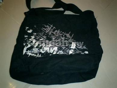 Tropicana Life Sling Bag Black c93