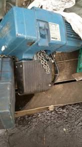 500 Kg capacity damage 8 unit good condition