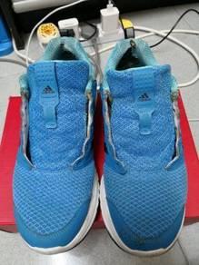 Kasut Adidas original set untuk Di jual