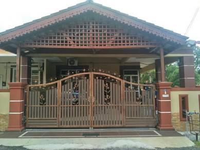 Rumah teras corner lot taman samarinda alor gajah