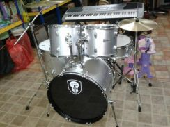Drumset with 3 pcs Cymbal (Silver)