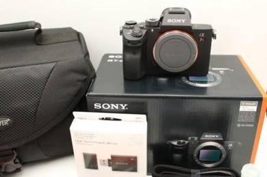 Sony Alpha a7R III A7R 3 Mirrorless Digital Camera