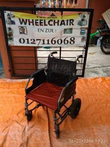 Wheelchair ringan dan mudah diangkat