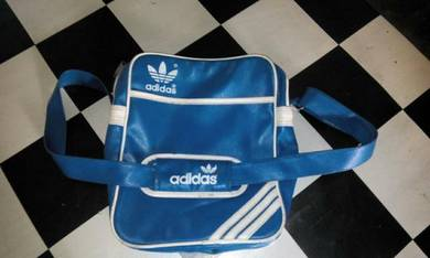 Beg Adidas