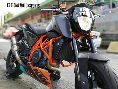KTM DUKE 690 R Like New OFFER NEW YEAR PROMO