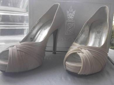 Wedding Heels by Zang Toi (size 7)