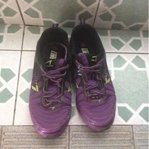 Line 7 sport shoes