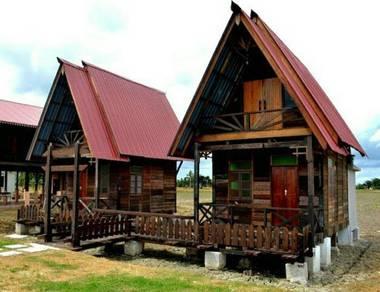 Gazebo chalet kayu lama