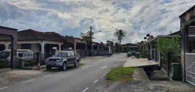 Single storey terrace at Batu Kawa EMART area
