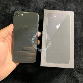 IPhone 8 256gb with receipt and warranty (TRADE)