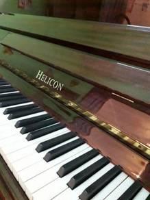 Upright piano