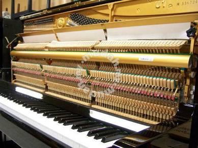 Yamaha Upright Piano U1M PE