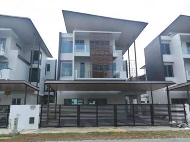 Triple Storey Detached House For Sale Windsor Estate, Hup Kee Road